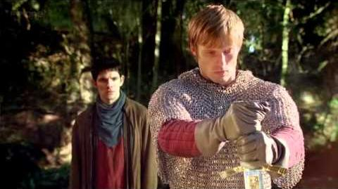 Merlin_-_Arthur_pulls_Excalibur_from_the_stone_4x13
