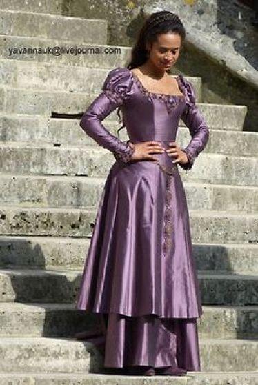 Gwen's Purple Dress